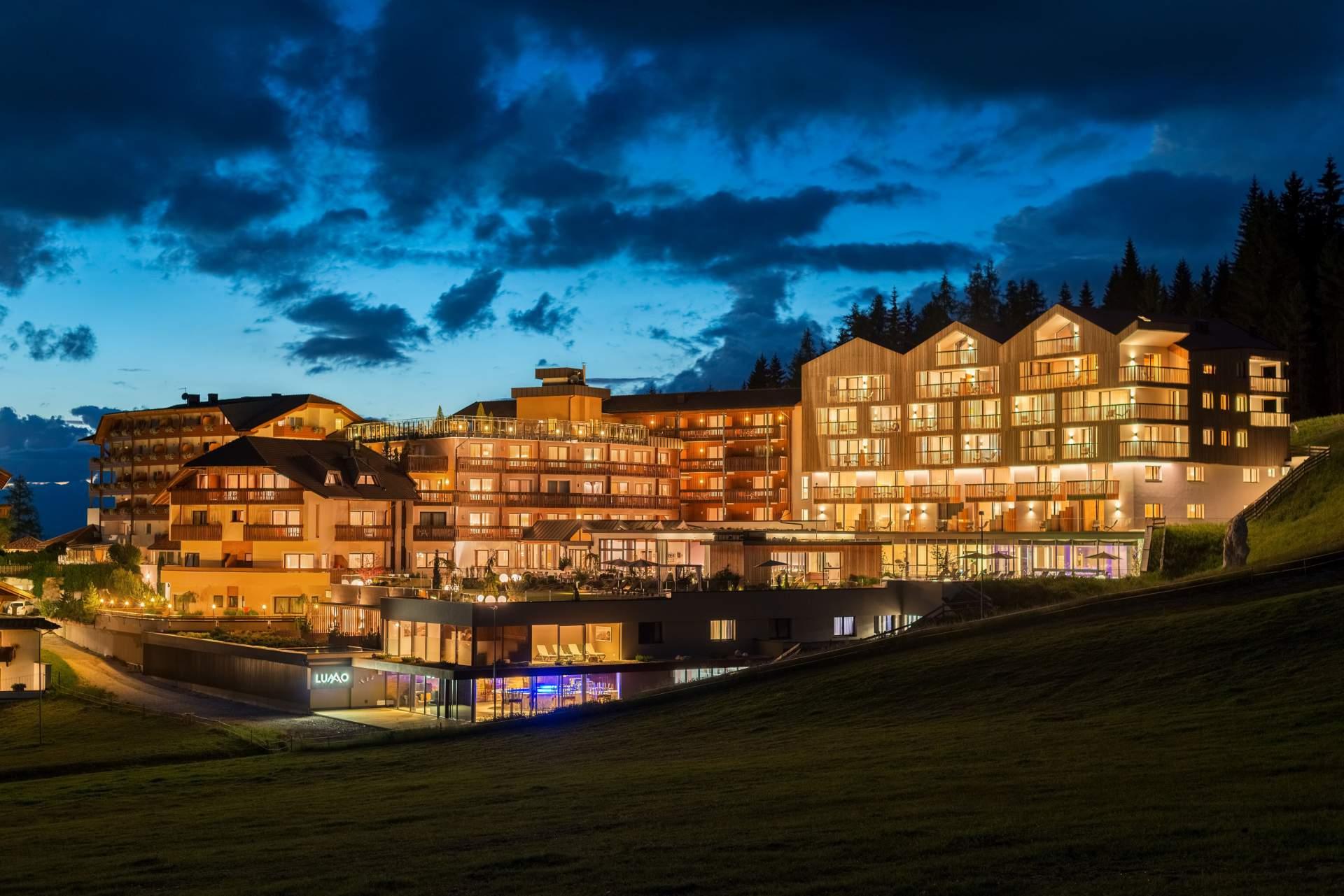 Busreis skivakantie Obereggen Hotel Cristal