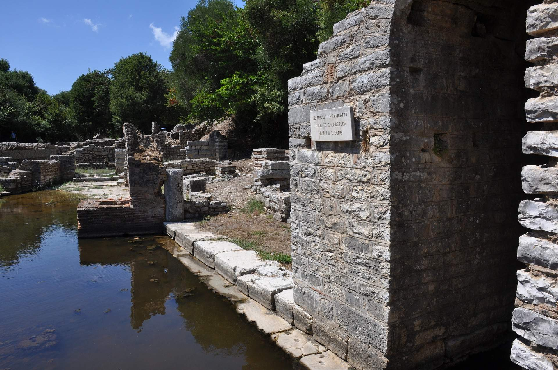 Busreis Albanië rondreis Butrint
