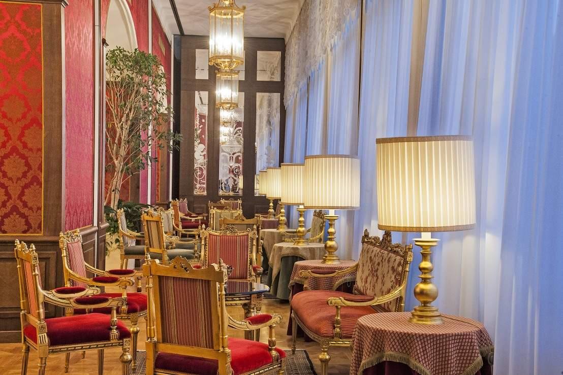 Busreis Italiaanse Meren en Milaan Hotel Regina Palace