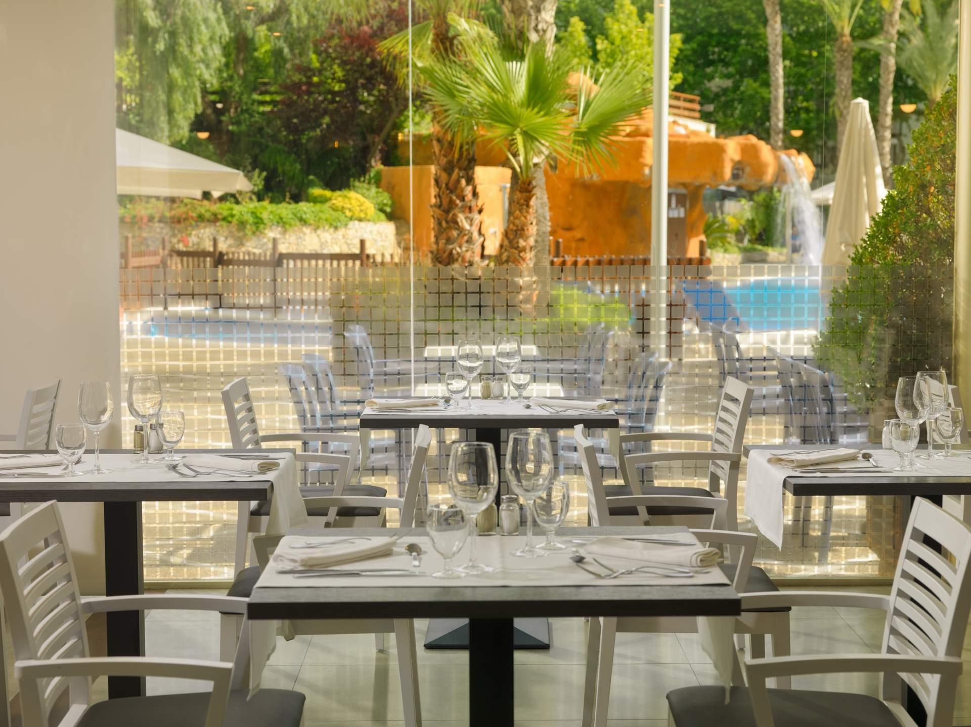 Busreis Salou Hotel H10 Salou Princess strandvakantie