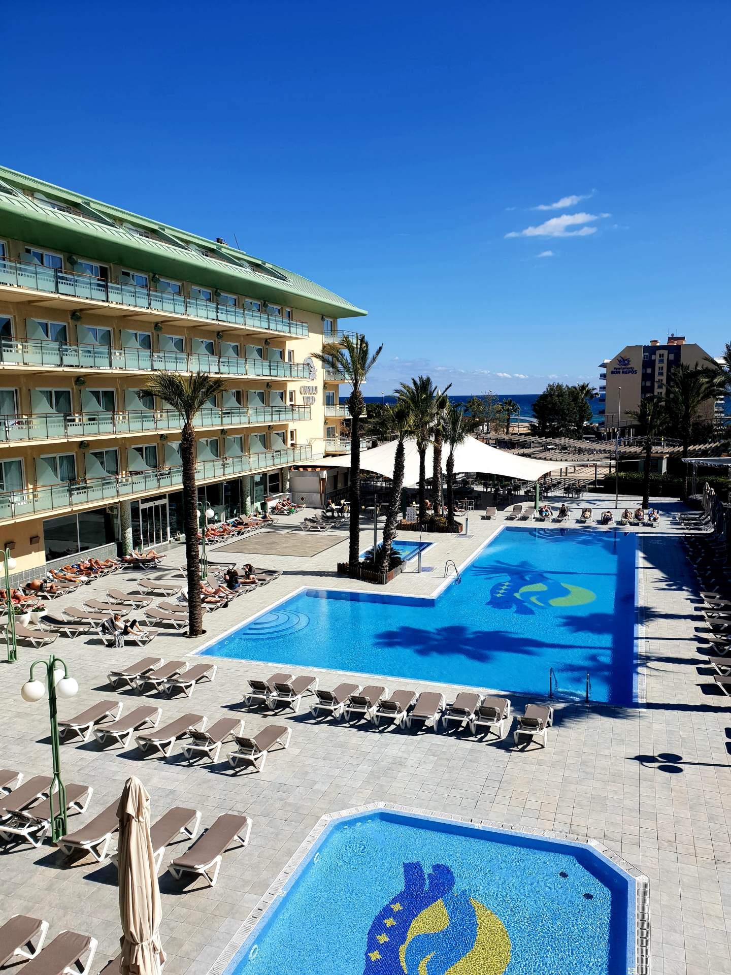 Busreis strandvakantie Santa Susanna hotel Alegria Caprici Verd