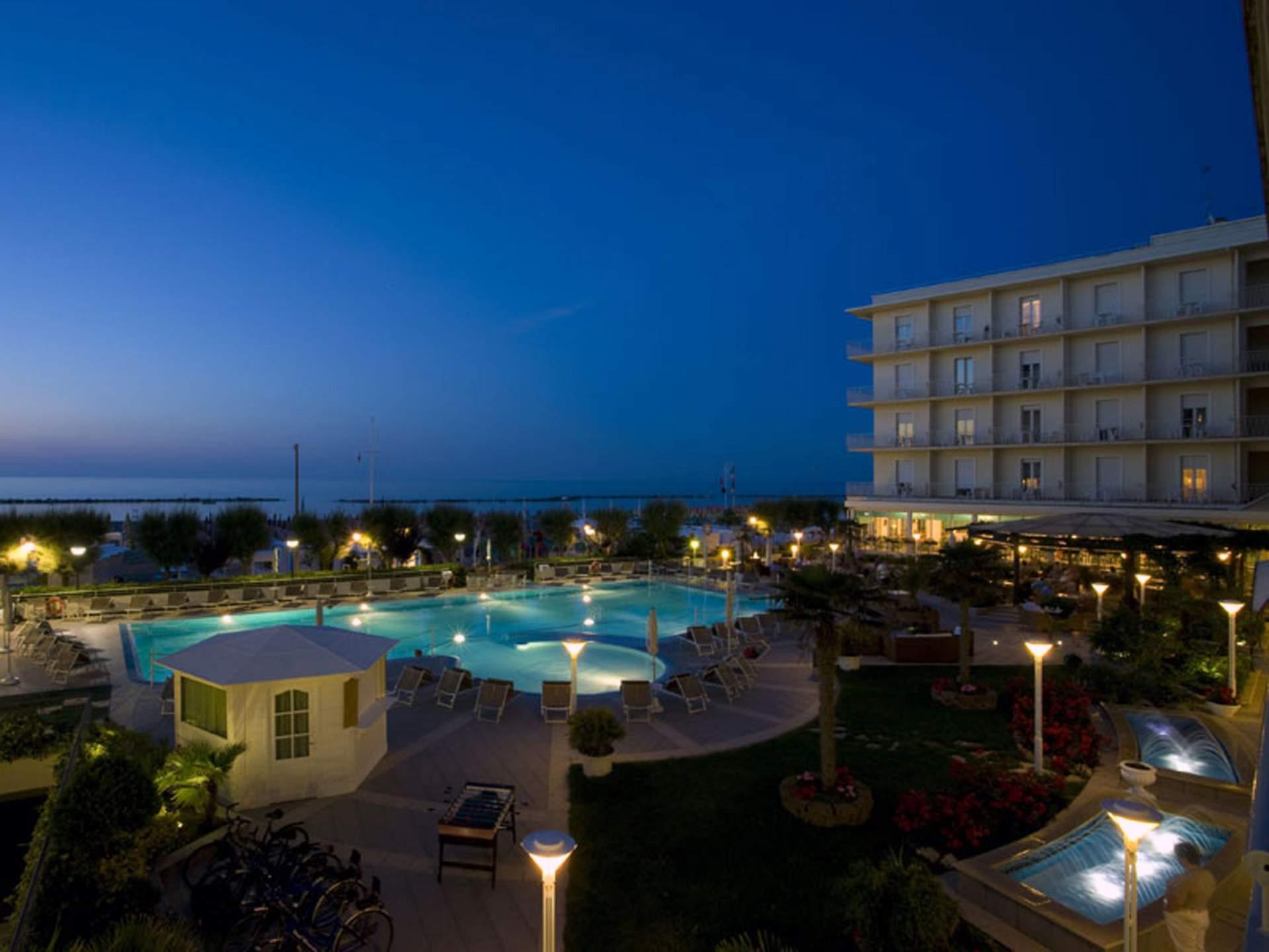 Busreis Cattolica Hotel Miramare Gabicce Mare strandvakantie