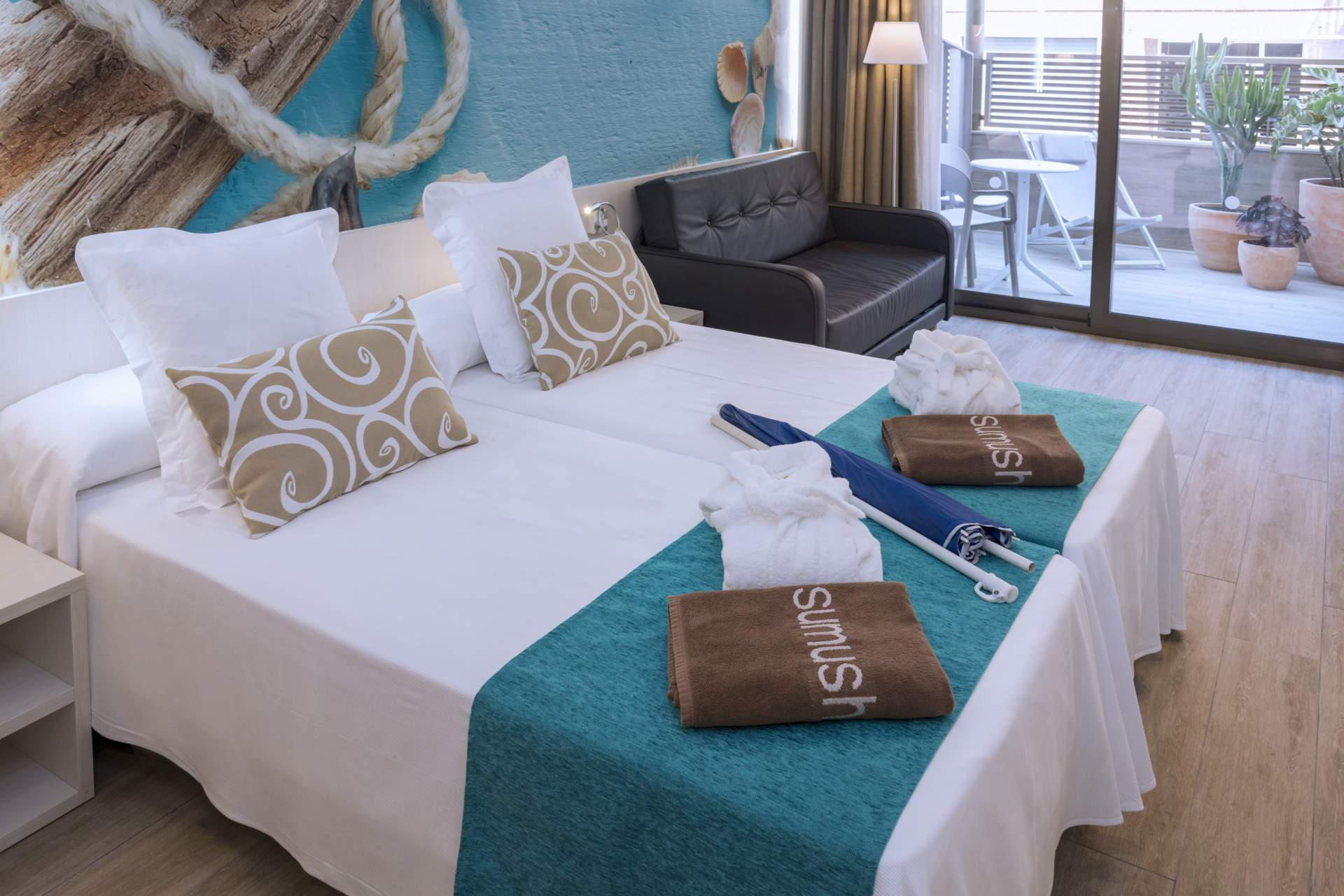 Busreis Pineda de Mar Hotel Stella & Spa strandvakantie