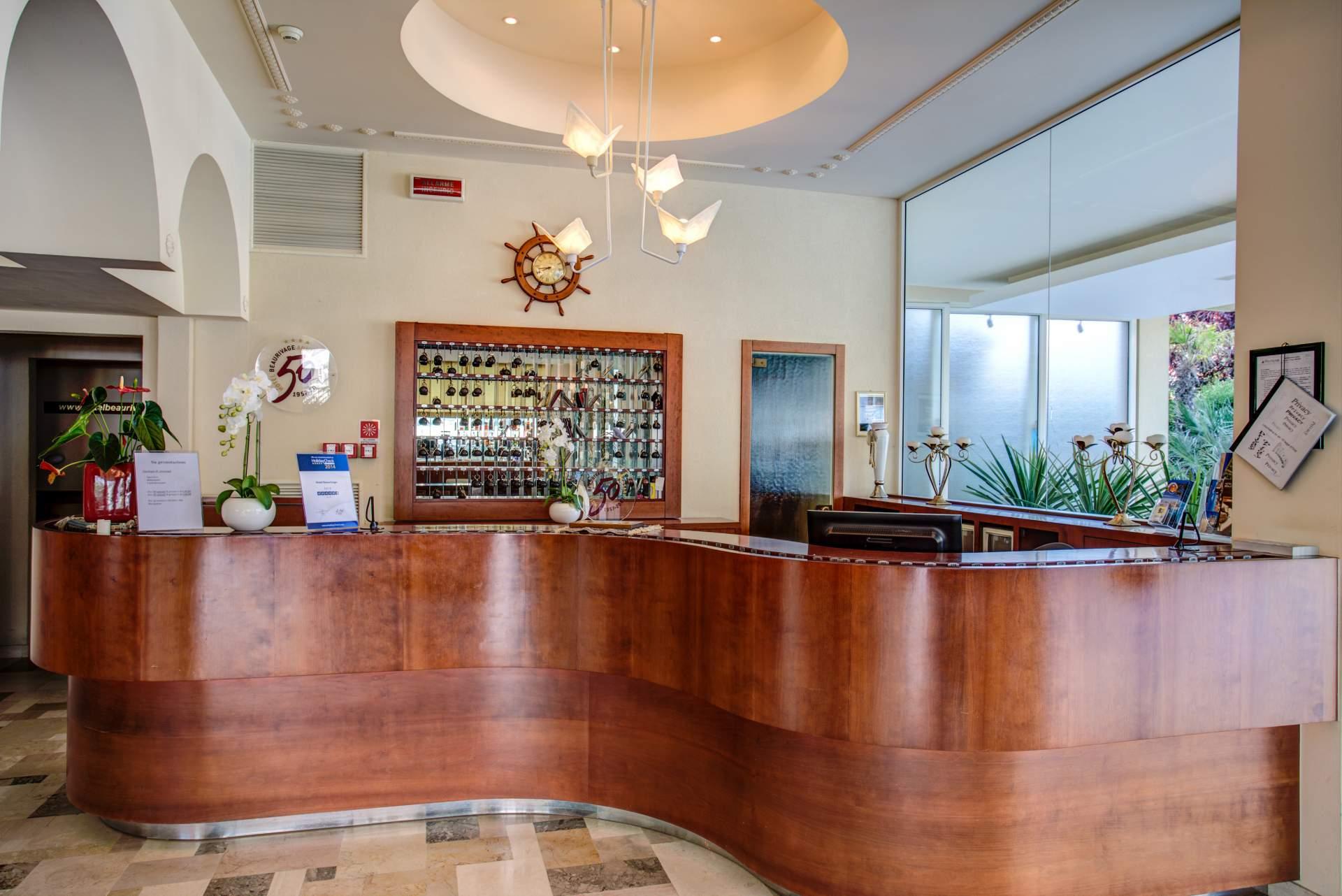Busreis Cattolica Hotel Beaurivage strandvakantie