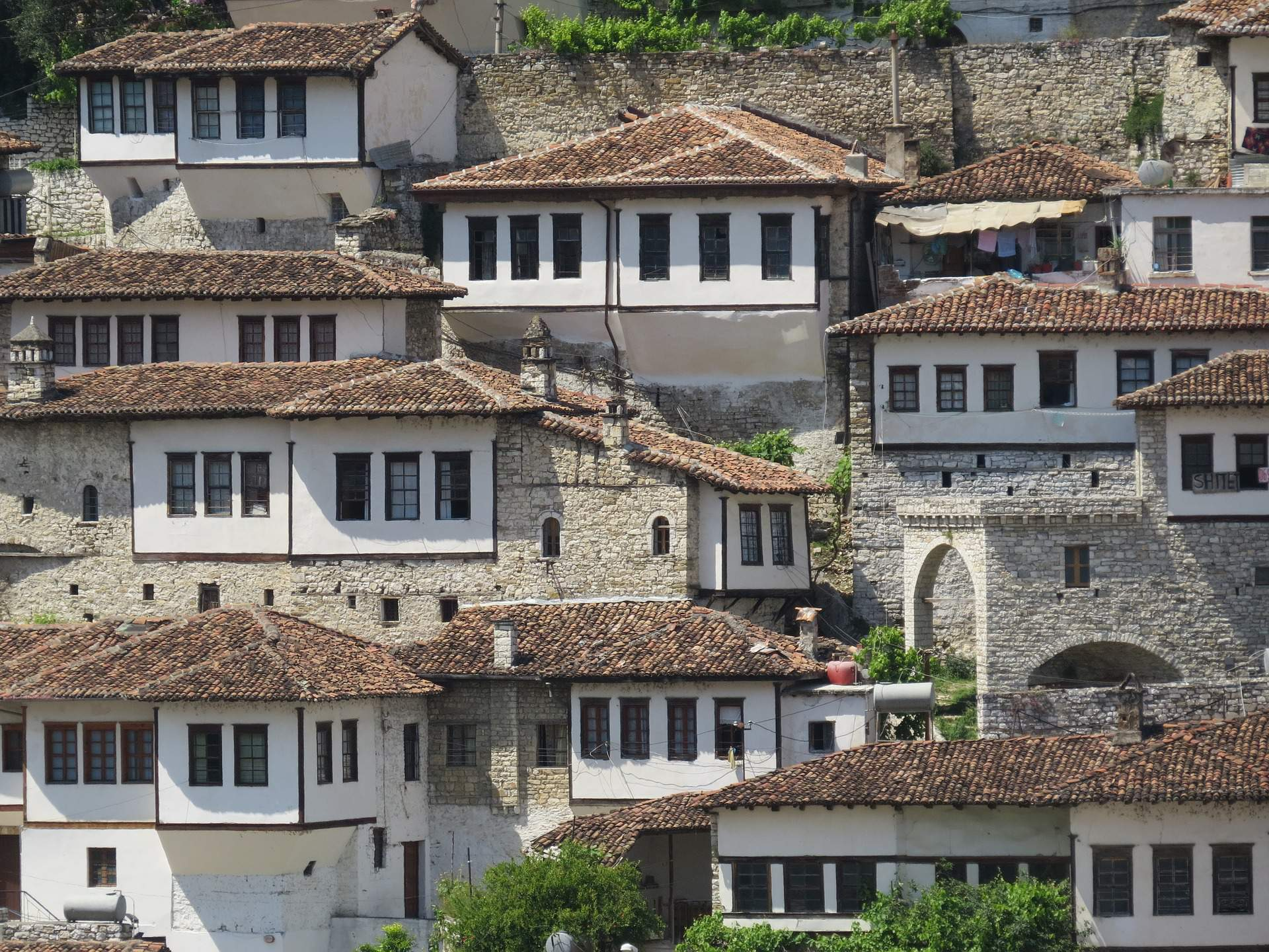 Busreis Albanië rondreis Berat