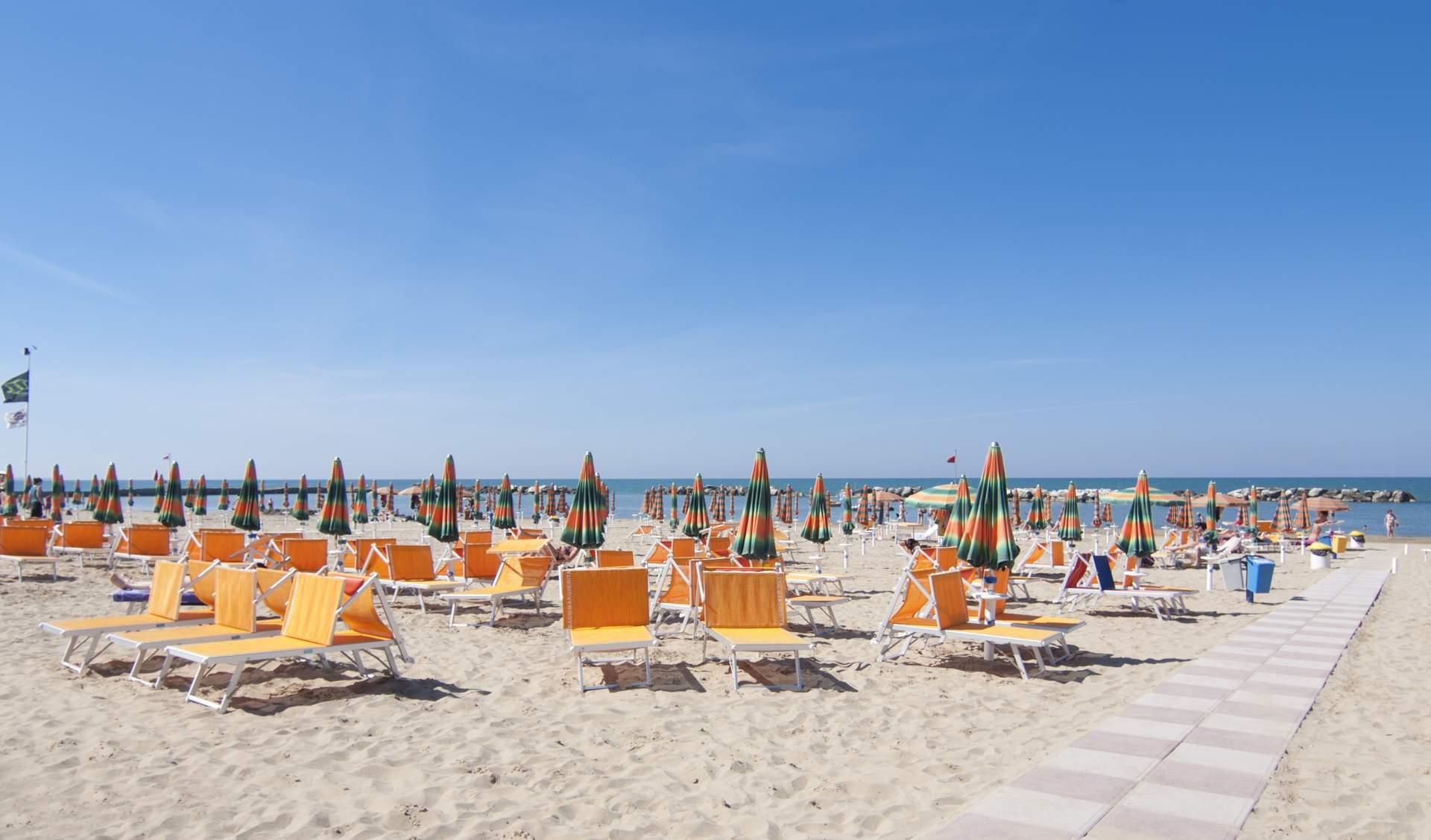 Busreis strandvakantie Cattolica ©Hotel Cormoran